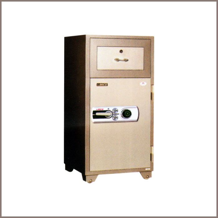 PD-125: 590Wx593Dx1276H, NET WT. : 261 Kgs. CAPACITY : 94 Liters ACCESSORIES : 1 Drawer with key JIS FIRE RATING : 2 Hrs.