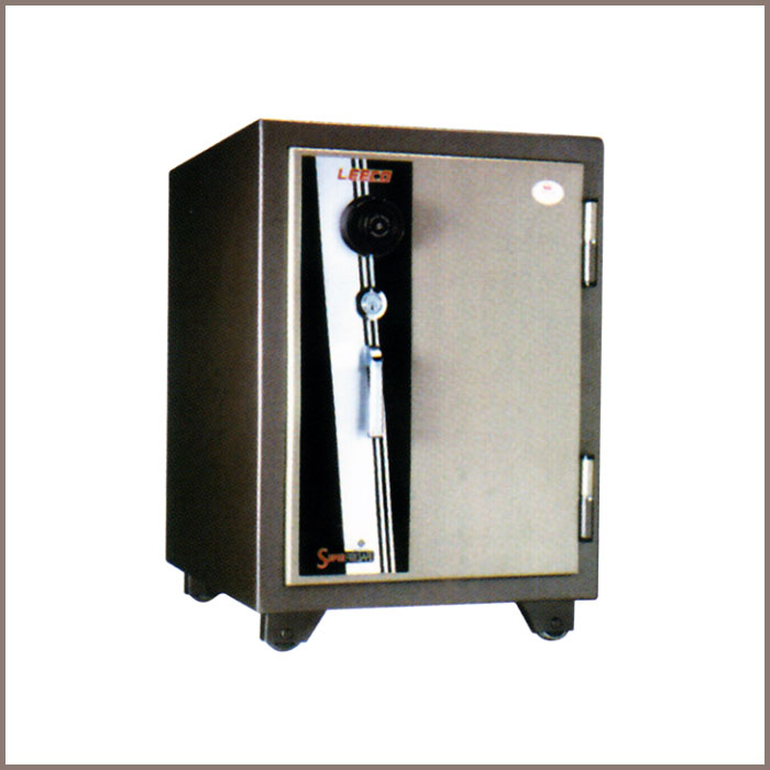 SD-S : 483W x 603D x 687H, NET WT. : 118.5 Kgs. CAPACITY : 50.8 Liters ACCESSORIES : 1 Drawer with key, 1 Shelf JIS FIRE RATING : 2 Hrs.